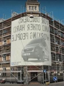 edificio_peugeot_publicidad