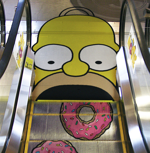 homer_simpsons_escaleras